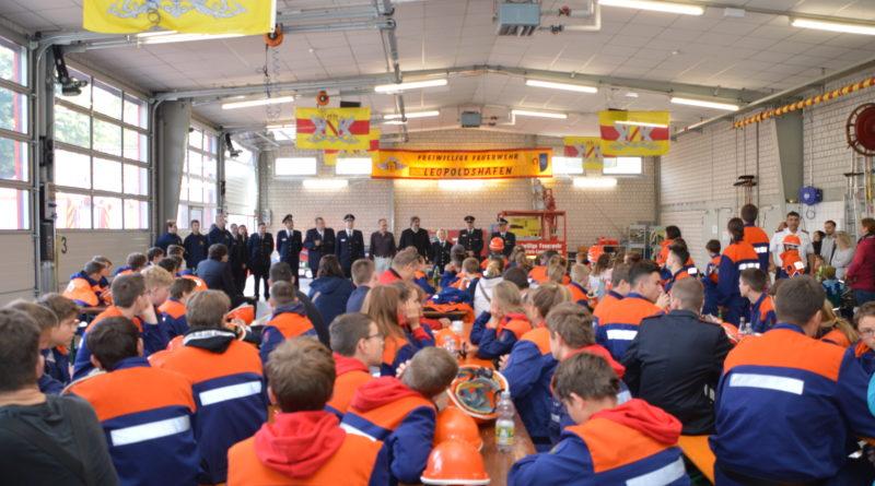 Jugendflamme der Jugendfeuerwehr im Landkreis Karlsruhe erfolgreich abgenommen